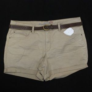 LADIES SIZE 16 BELTED SHORT NEW